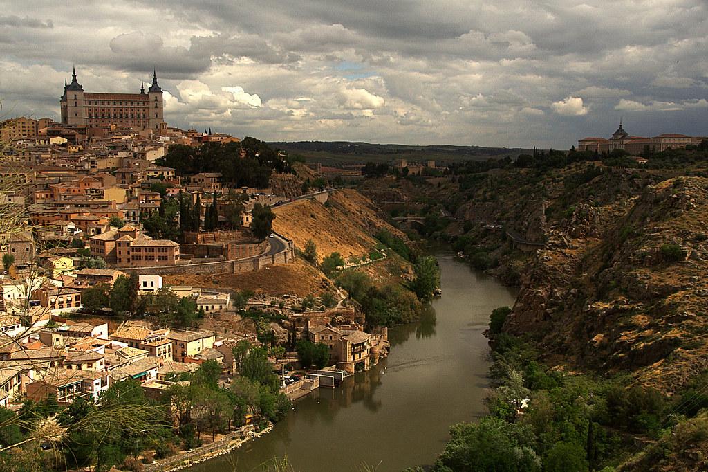 Toledo una mañana nublada