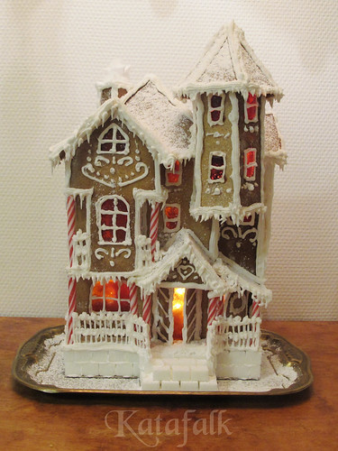 The 2016 gingerbread house - 8