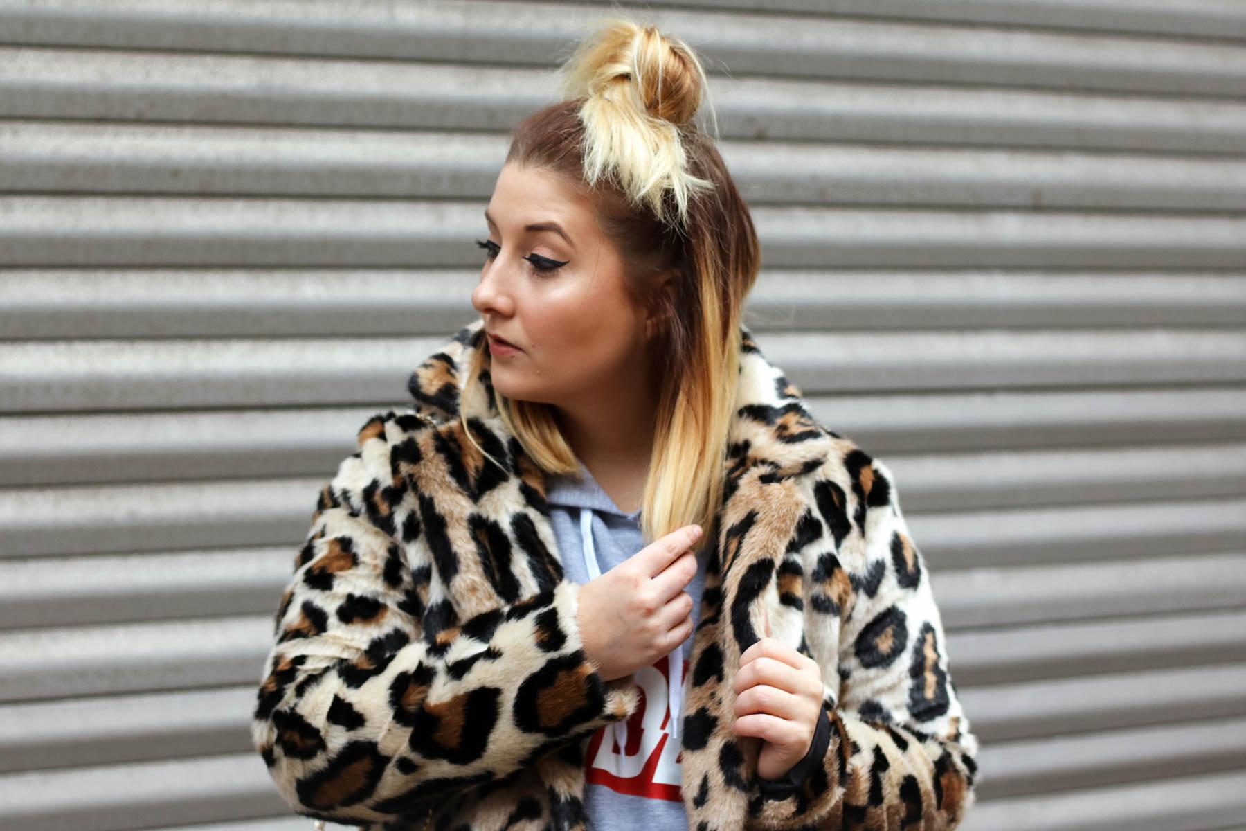 outfit-modeblog-fashionblog-fashionpassionlove-leo-mantel-trend-mantel-winter-sneaker-adidas5 (1 von 1)
