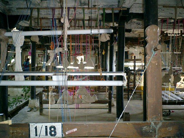 Maheshwar handloom saree weavers