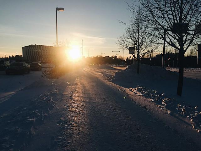 MaisemaTalviVantaa, haastattelu, interview, vantaa, talvi, winter, sunset, auringonlasku, lumi, snow, snowy, luminen, maisema, view,