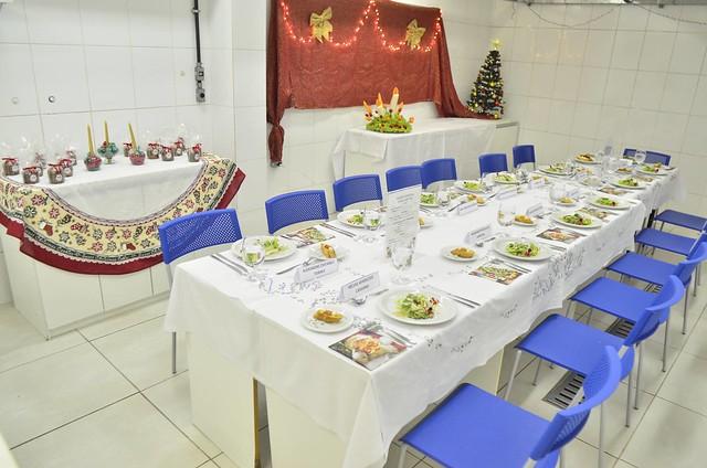 Alunos de Gastronomia produzem almoço no Senac
