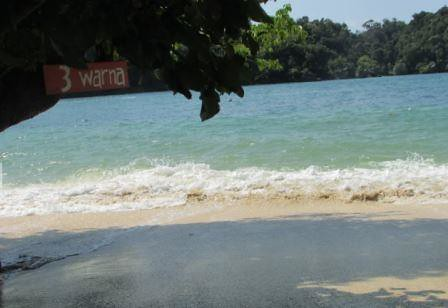 welcome to 3 warna beach