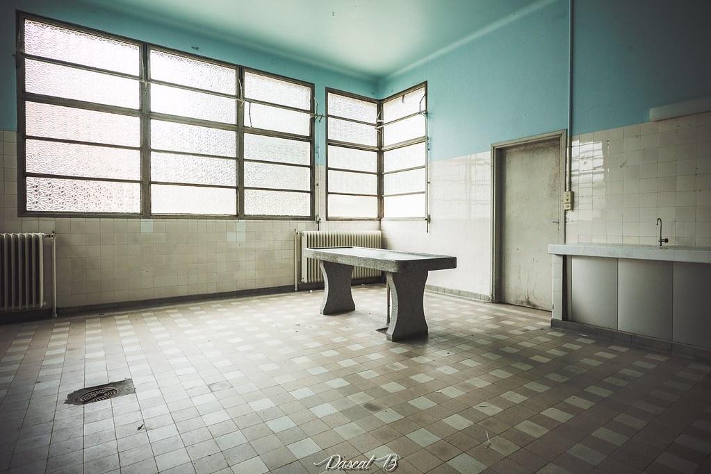 La morgue P 31955768131_832312e588_b