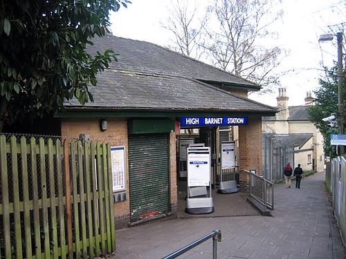 High Barnet tube station