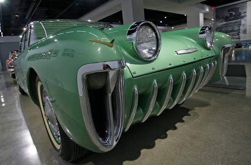 1955 Chevrolet Biscayne XP-37 - Petersen Museum (7688)