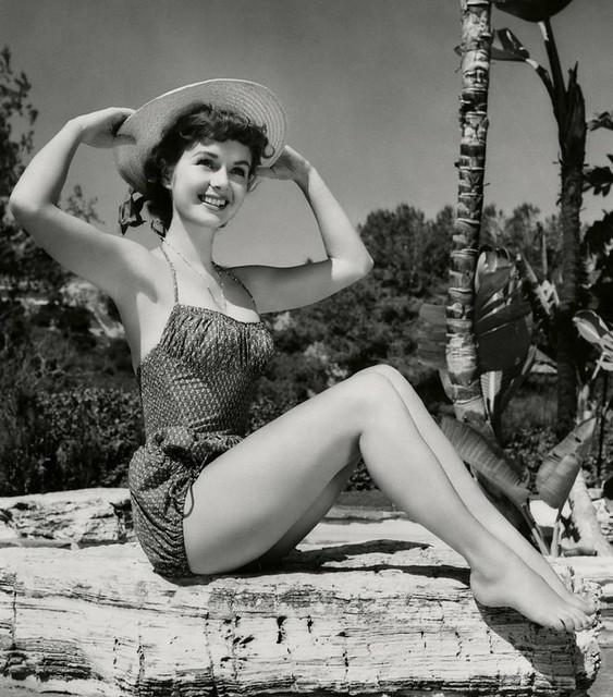 Debbie Reynolds - Photo 4
