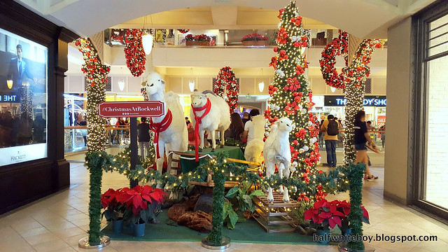 halfwhiteboy powerplant mall christmas decor 2016 11