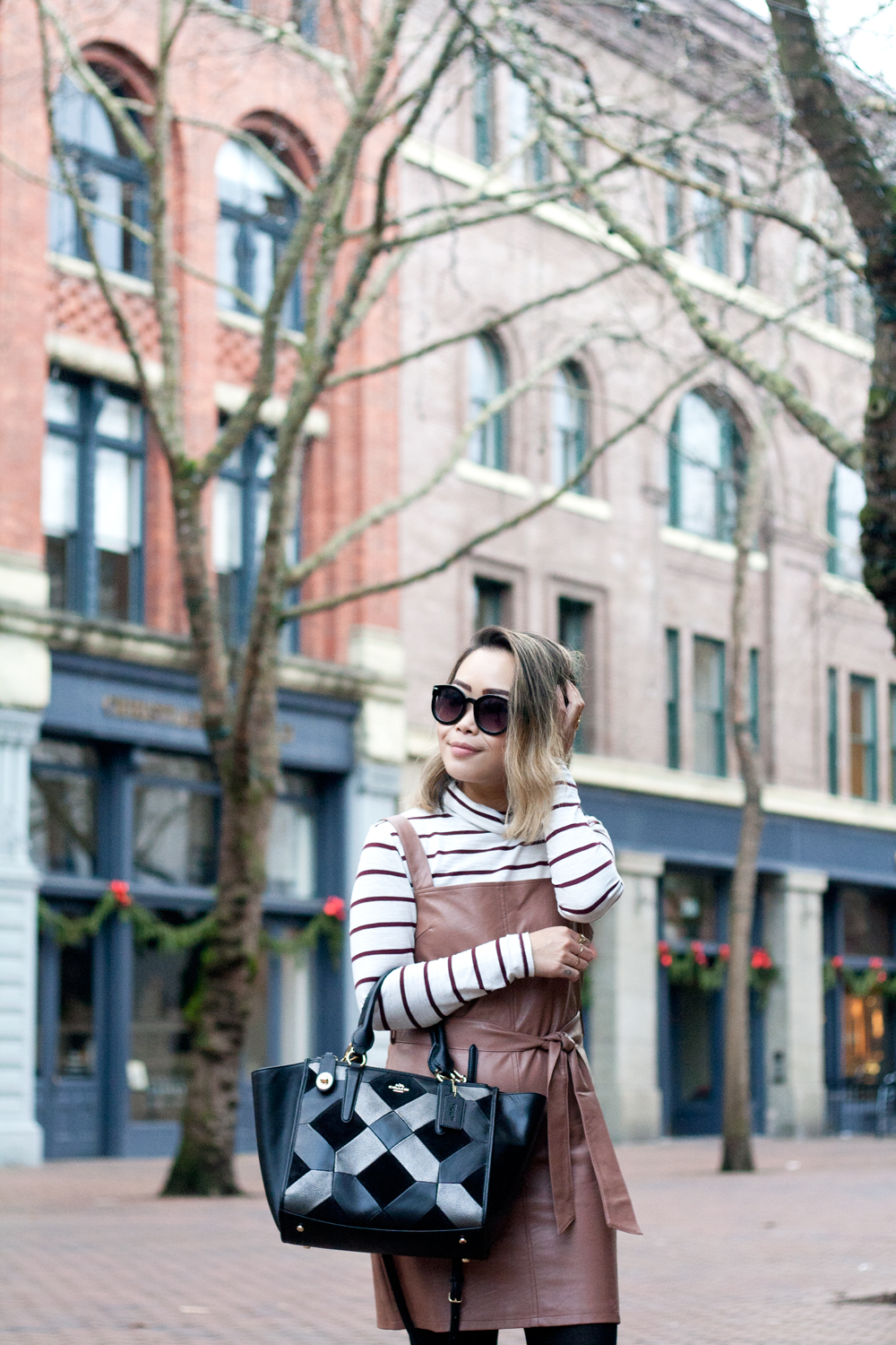 05seattle-pioneersquare-madewell-stripes-leather-pinafore-coach-travel-style-fashion