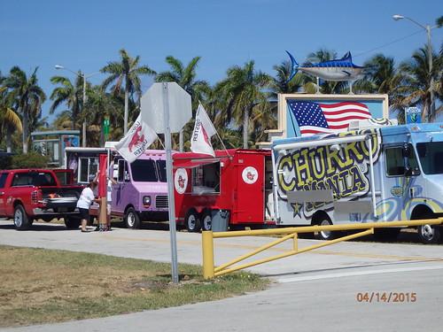 Food Trucks Haulover