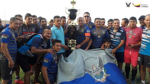 Policía Nacional se coronó campeón de fútbol interinstitucional, en Manta