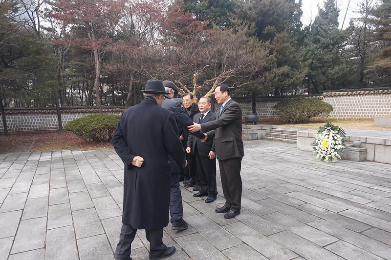 2017년 도산 묘소 참배