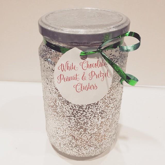 Glitter jar DIY for Christmas edibles!
