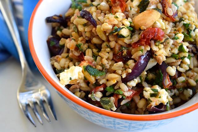 Almond, Tomato & Feta 5 Grain Bowl | www.rachelphipps.com @rachelphipps