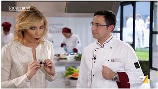 Lo chef Servidio insieme alla conduttrice De Matthaeis