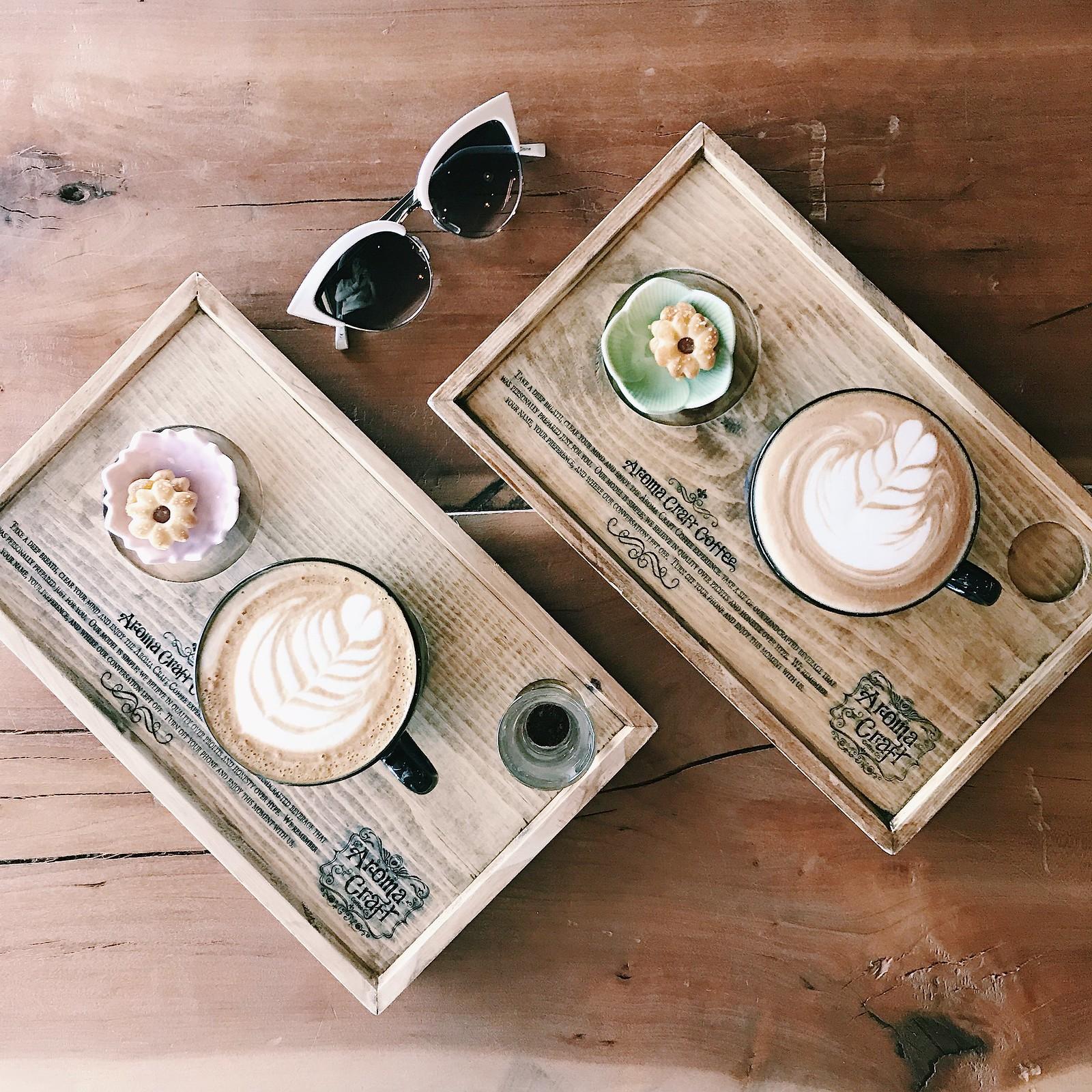 coffee-coffeeart-latte-latteart-coffeeshots-hipster-flatlays-coffeeshopcorners-dinela-clothestoyouuu-elizabeeetht