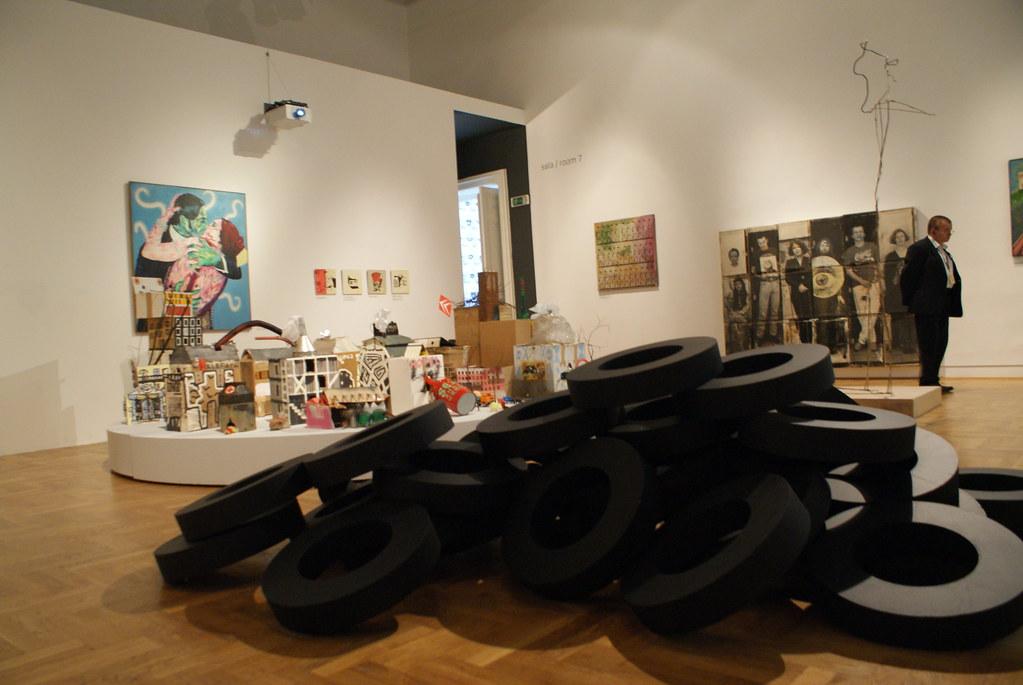 Salle d'exposition du Musée d'art contemporain Zacheta à Varsovie.