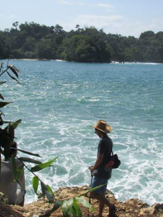 view dari bagian pulau sempu