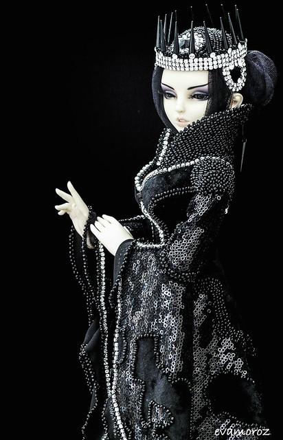 Dollmore Zinna White