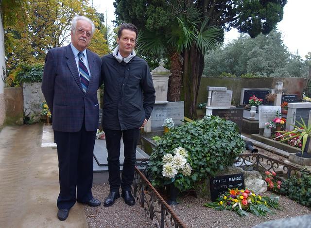 Oleg Mandić i Oleg Mandić ml. na groblju u Voloskom posjetili su grob Mandićevih