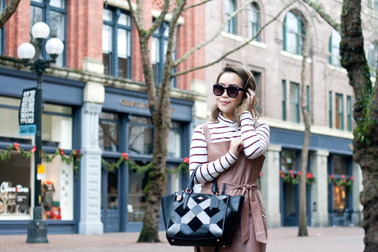 01seattle-pioneersquare-madewell-stripes-leather-pinafore-coach-travel-style-fashion