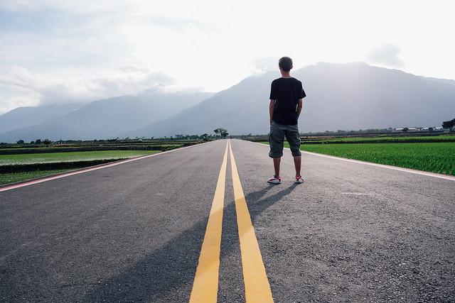 路_路是一条直直的无限延伸