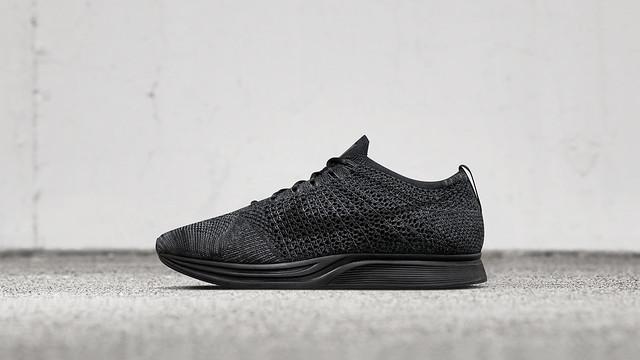 Nike Flyknit Racer 2016 triple black