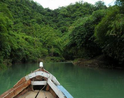menyusuri sungai cikaso