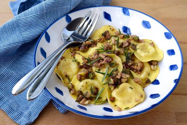 Ravioli in a Nutty Herby Butter | www.rachelphipps.com @rachelphipps