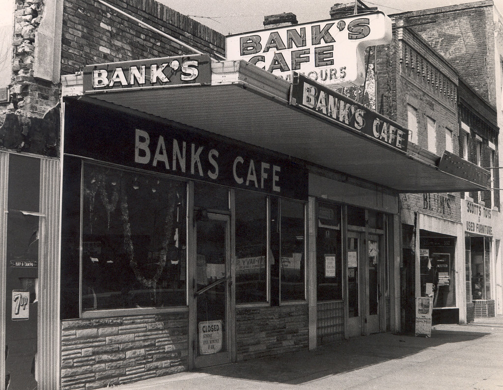 Bank's Cafe