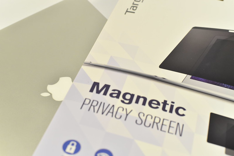 Targus Magnetic Privacy Screen