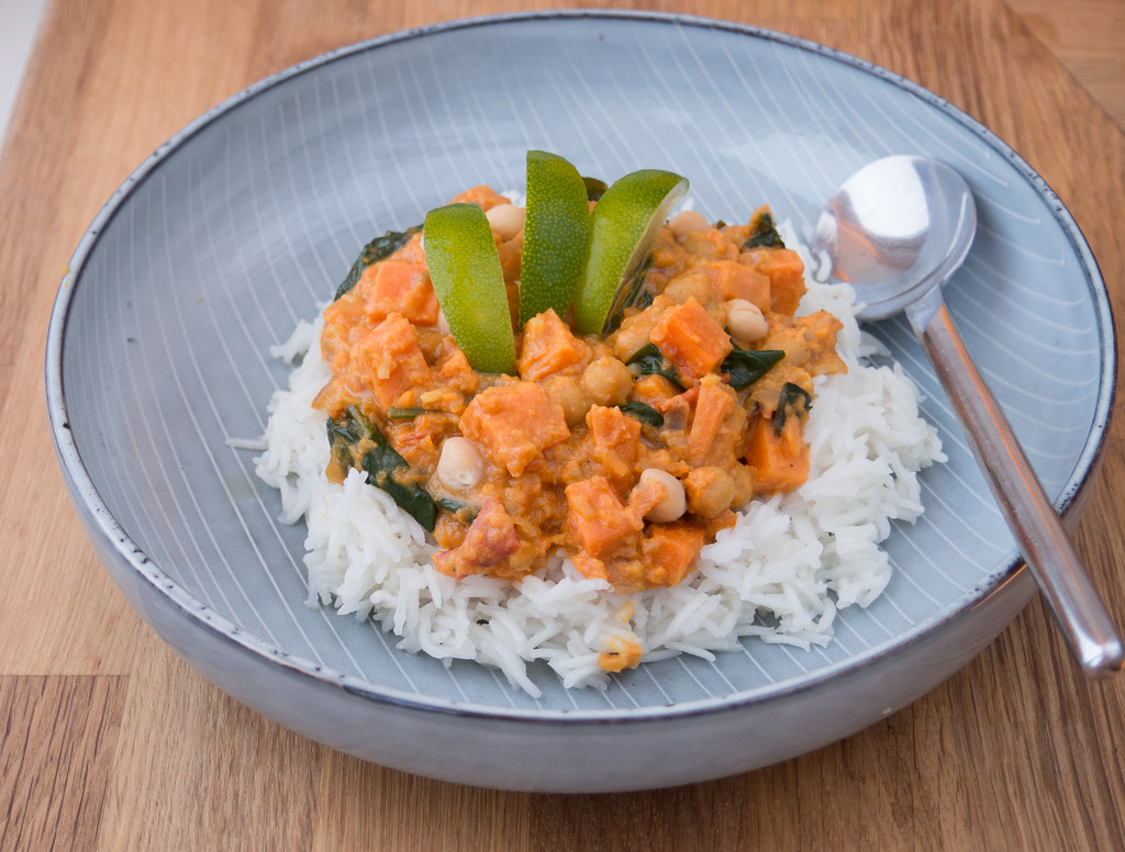 Sweet Potato, Spinach, Chickpea and Coconut Curry - Nordic Food ...