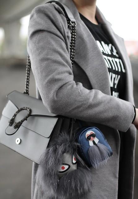 kanye-attitude-details-bag-fendi-bag-charms-wiebkembg