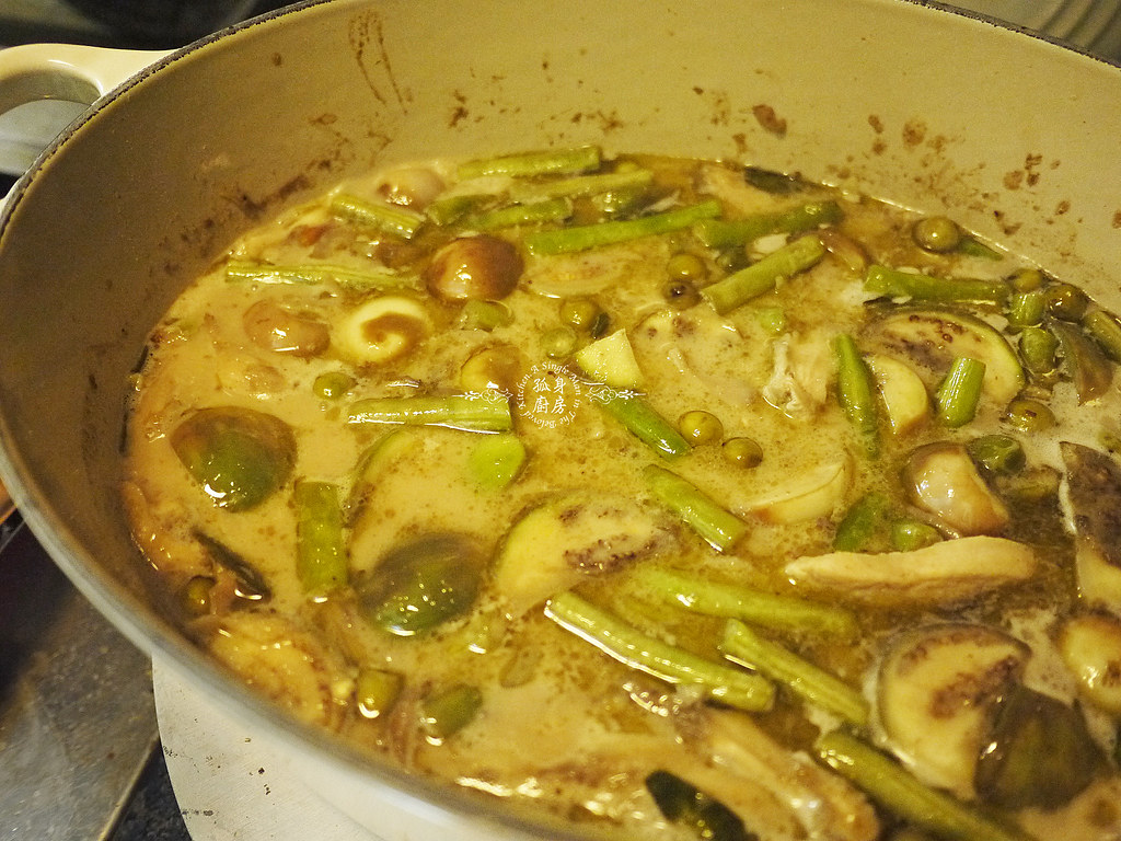 孤身廚房-滿滿新鮮香料版的泰式綠咖哩雞27