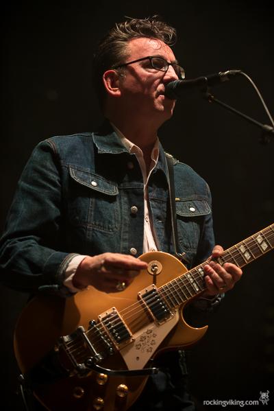 Richard Hawley singing at Sheffield City Hall on December 5, 2016