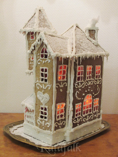 The 2016 gingerbread house - 10