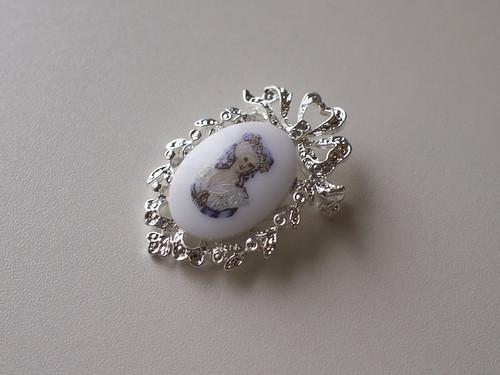 Marie Antoinette Pin