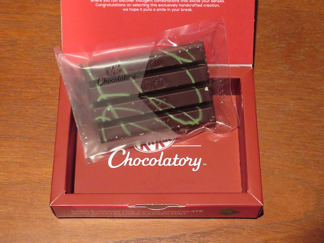 London Kit Kat Chocolatory - Single-Origin 70% Cocoa Chocolate with Crystallised Garden Mint