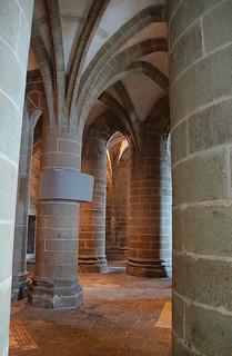062 Ruimte met grote pilaren