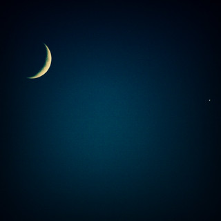 Crescent moon (and venus) | by s0ulsurfing
