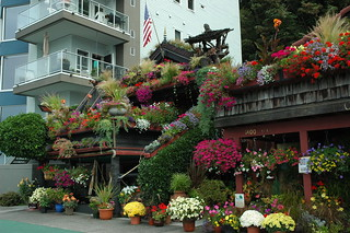 The Flower House with Condo on Alki Beach, Seattle, Washington | by Wonderlane