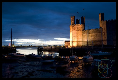 Caernarfon Castle & Harbour | by Mojo...