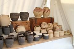 Keramikarbeiten von Helmut Studer auf dem 6. Frühjahrsmarkt in Haithabu - Museumsfreifläche Wikinger Museum Haithabu WHH 26-03-2016