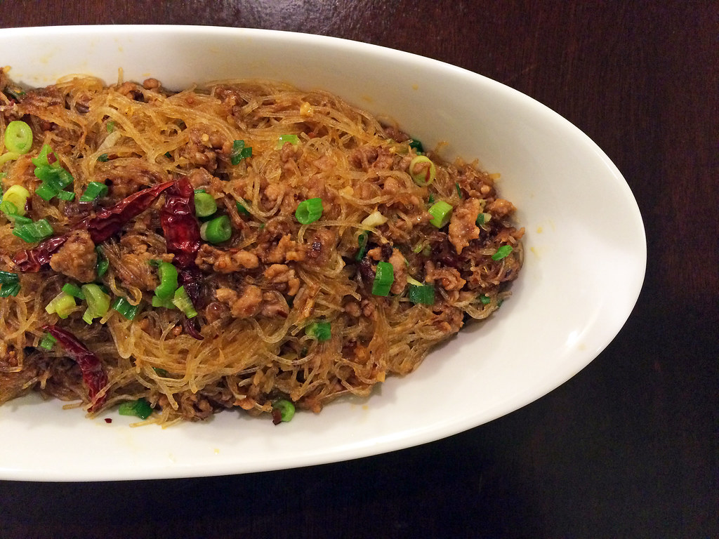 Dry fried glass noodles