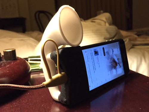 ラッパ型スピーカー iPhone5系 - 仙台出張時に宿泊したホテルで使用