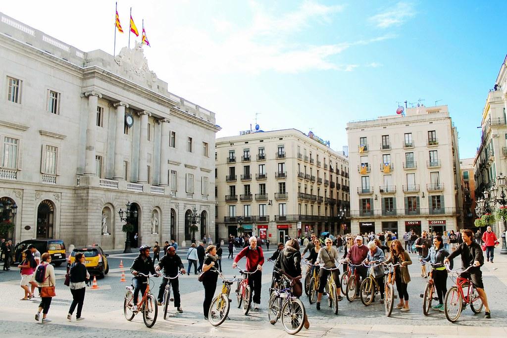 Drawing Dreaming - visitar Barcelona - Plaça Sant Jaume