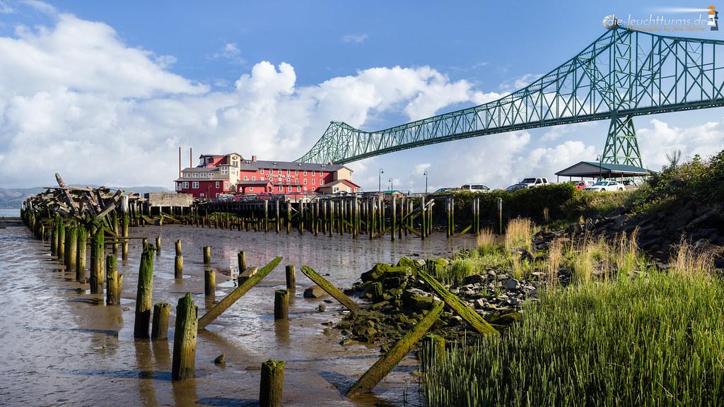 Cannery Pier Hotel and Astoria Bridge