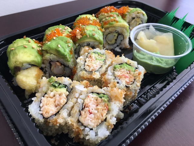Caterpillar roll & Crunch California roll - Tokyo Express
