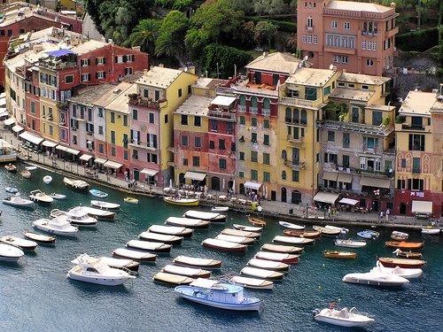 Pastel houses lining the shore of Portofino | by B℮n
