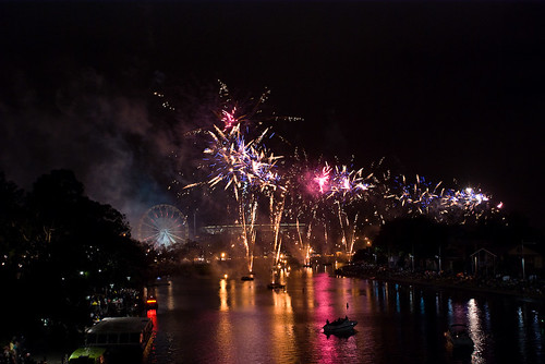 Moomba Waterfest - Fireworks | by Robert Brienza